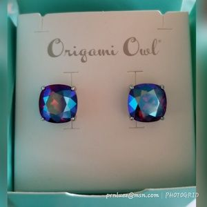Authentic Origami Owl Silver Clara Stud Earrings